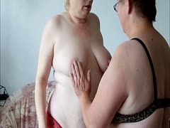 Chubby slut Linda Fox is in the right mood