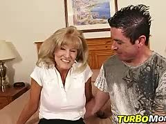 Old slut fucks young guy
