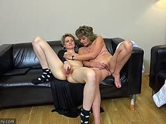 Old lesbians put toys in each other's pussy